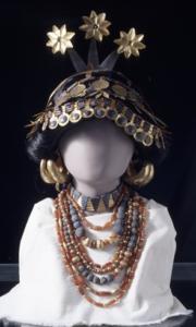 Figure 2 : Restitution d'une partie des bijoux de Puabi