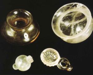 Vases en cristal de roche (depuis Hussein, Altaweel et Gibson 2016)
