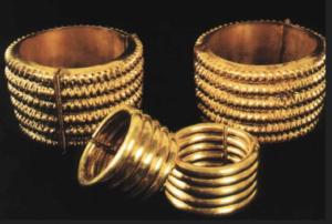 Bagues en or (depuis Hussein, Altaweel et Gibson 2016)